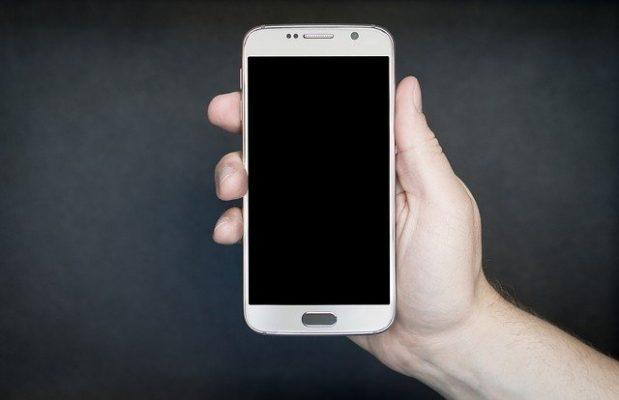 ¿Arreglar el móvil o cambiarlo por uno nuevo? Conoce lo que debes evaluar